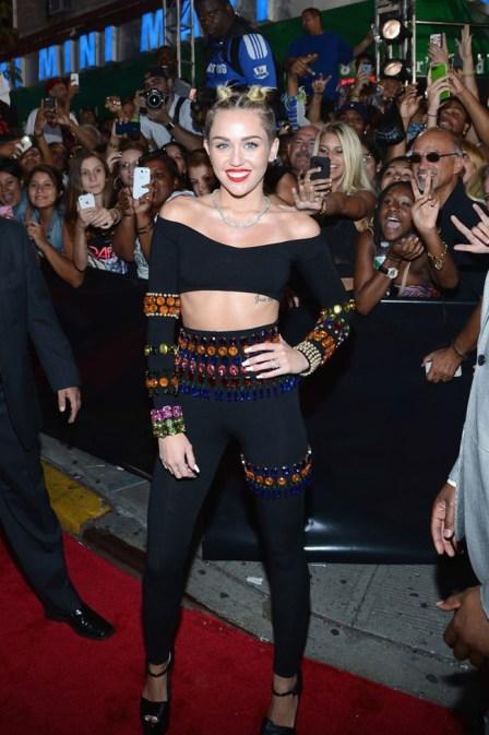 Miley+Cyrus+2013+MTV+Video+Music+Awards+Red+dkEdXcaI8JGx